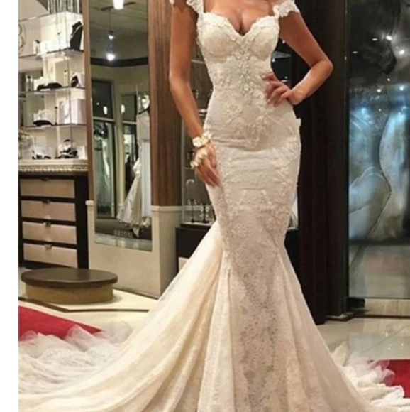 e619348667a Wedding Dress. NWT. Hebeos